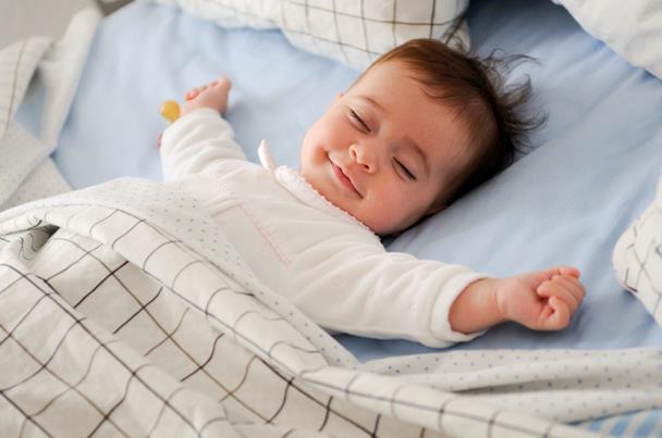 أكتشفى 10 نصائح تساعدين بها طفلك على تقليل اضطرابات النوم