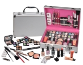 Urban Beauty 60 Piece Vanity Beauty Case